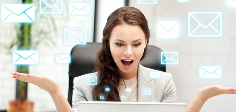 woman doing email marketing